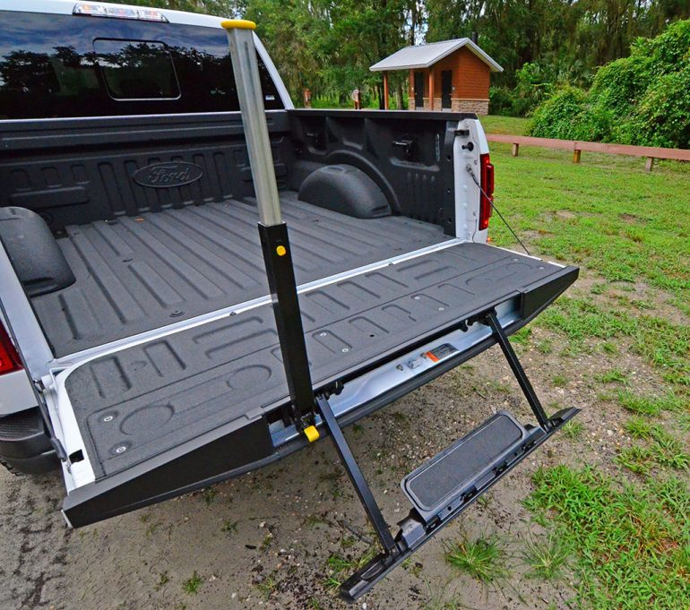 2017-ford-f150-raptor-tailgate-easy-step-up
