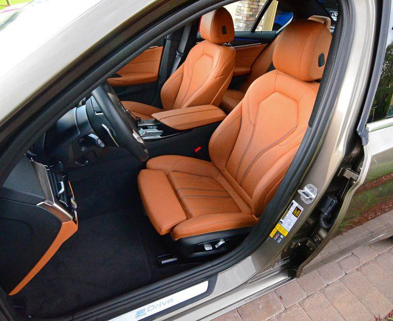 2018-bmw-530e-front-seats