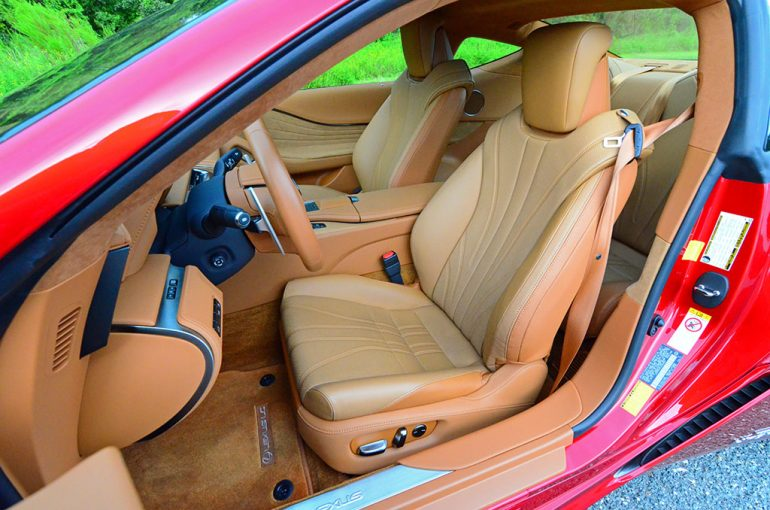 2018-lexus-lc500h-front-seats