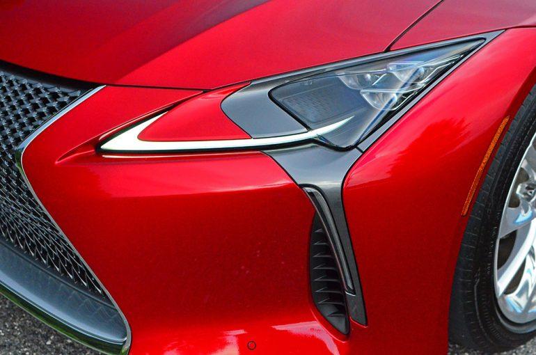 2018-lexus-lc500h-led-headlight-detail