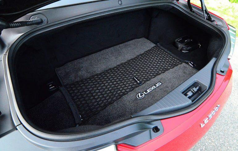 2018-lexus-lc500h-trunk