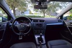 2017-volkswagen-golf-alltrack-dashboard