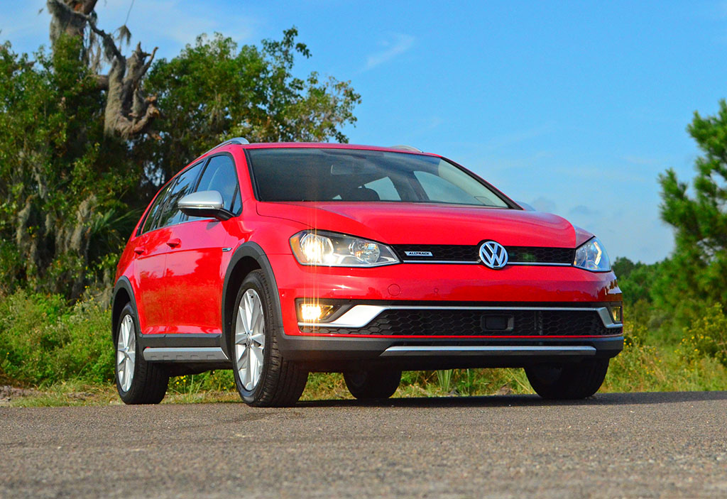 2017 volkswagen golf alltrack se review test drive. Black Bedroom Furniture Sets. Home Design Ideas