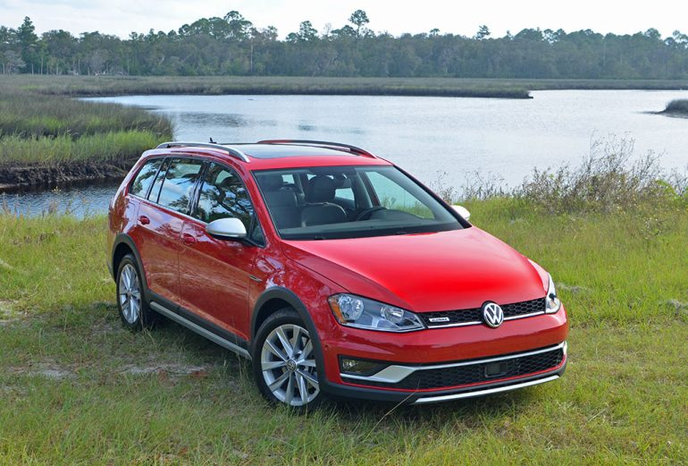2017-volkswagen-golf-alltrack-off-road