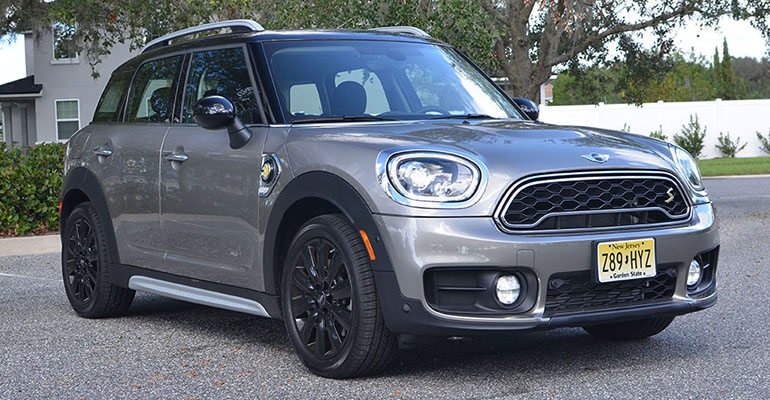 2018-mini-cooper-s-e-countryman-all4-feature