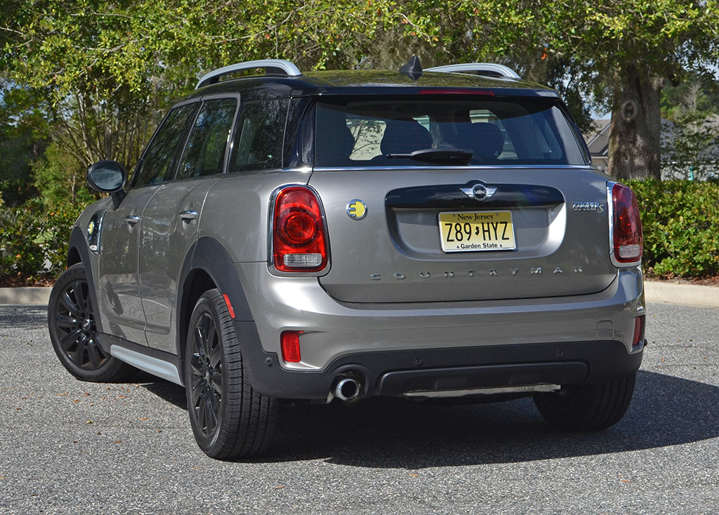 2018 mini cooper s e countryman all4 plug in hybrid review test drive. Black Bedroom Furniture Sets. Home Design Ideas
