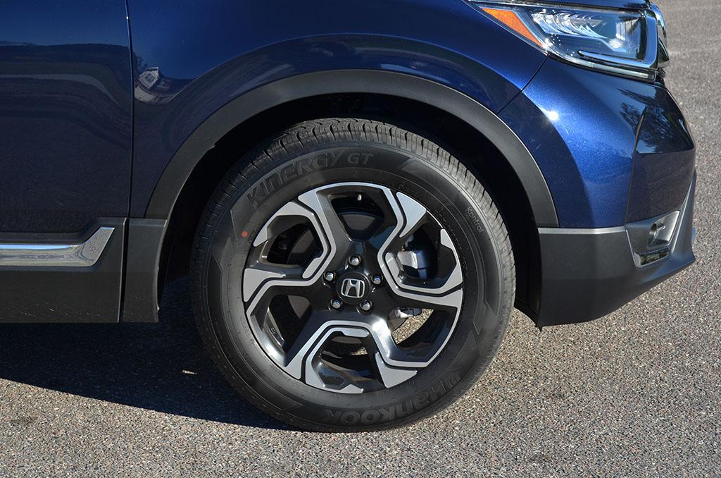 Crv 2017 Review >> 2018 Honda CR-V Touring AWD Review & Test Drive