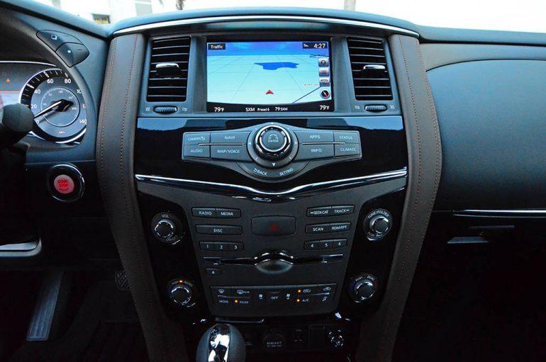 2018-nissan-armada-platinum-reserve-center-dashboard