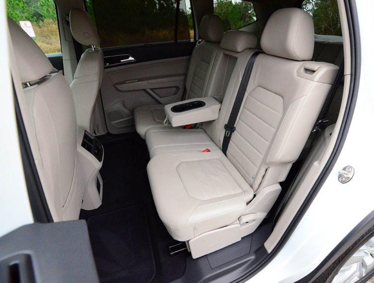 2018-volkswagen-atlas-sel-v6-premium-4motion-second-row-seats