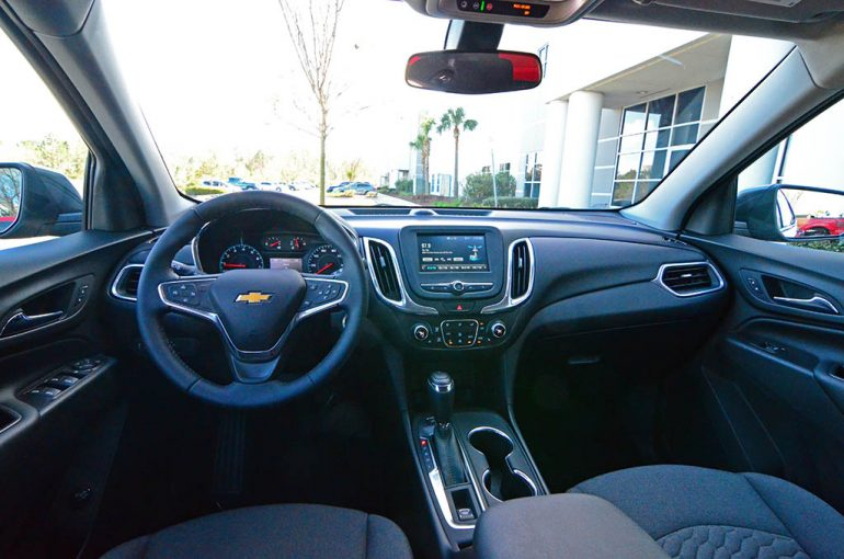 2018-chevrolet-equinox-lt-20-awd-dashboard