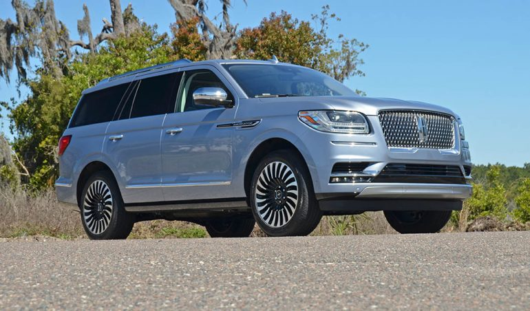2018-lincoln-navigator-black-label-low