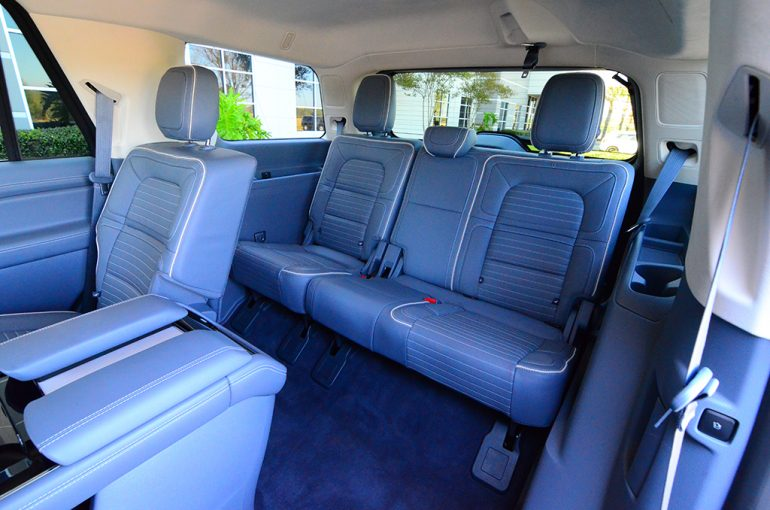 2018-lincoln-navigator-black-label-third-row-seats