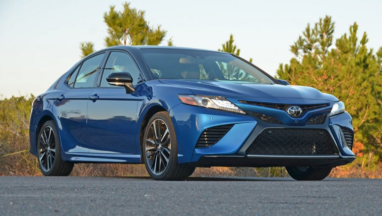 2018-toyota-camry-xse-v6-low