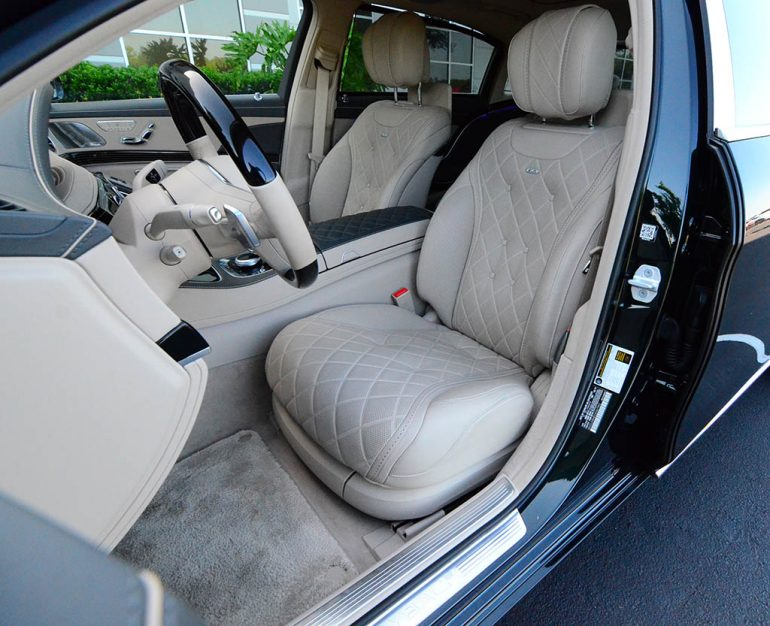 2018-mercedes-maybach-s650-front-seats