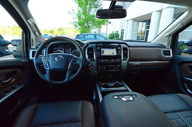 2018-nissan-titan-xd-diesel-crew-cab-dashboard