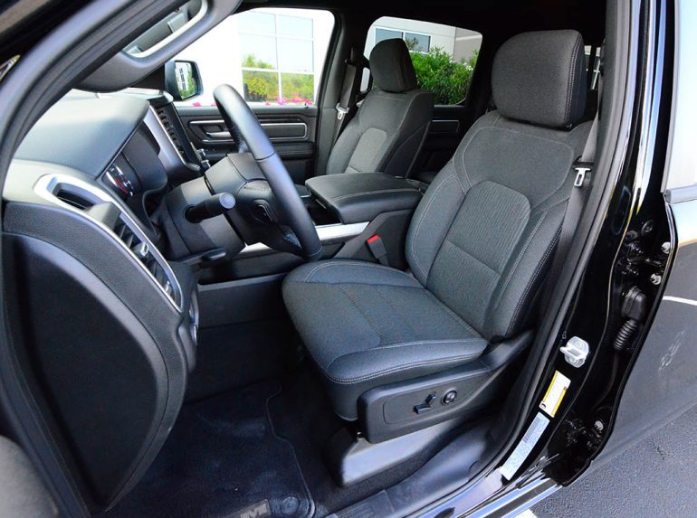 2019-ram-1500-crewcab-bighorn-sport-4x4-front-seat