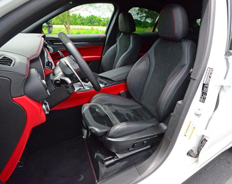 2018-alfa-romeo-stelvio-quadrifoglio-front-seats