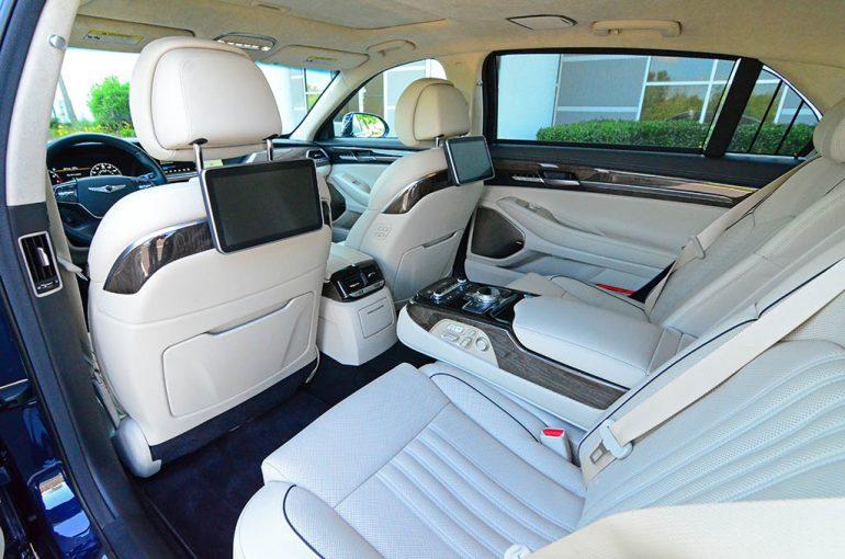 2018-genesis-g90-rear-seats-1