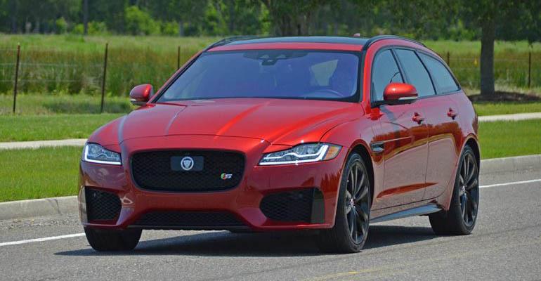 2018-jaguar-xf-s-awd-sportbrake-feature