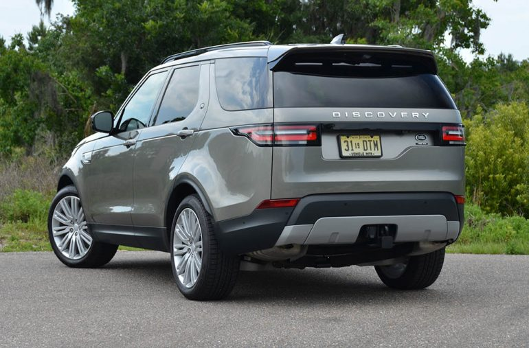 2018-land-rover-discovery-hse-luxury-rear-1