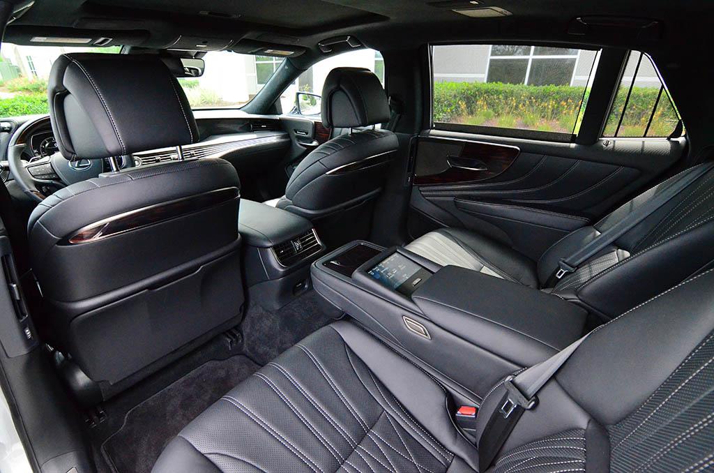 lexus ls  cabin interior