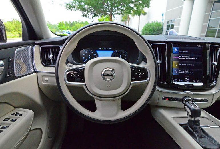 2018-volvo-xc60-t6-inscription-steering-wheel