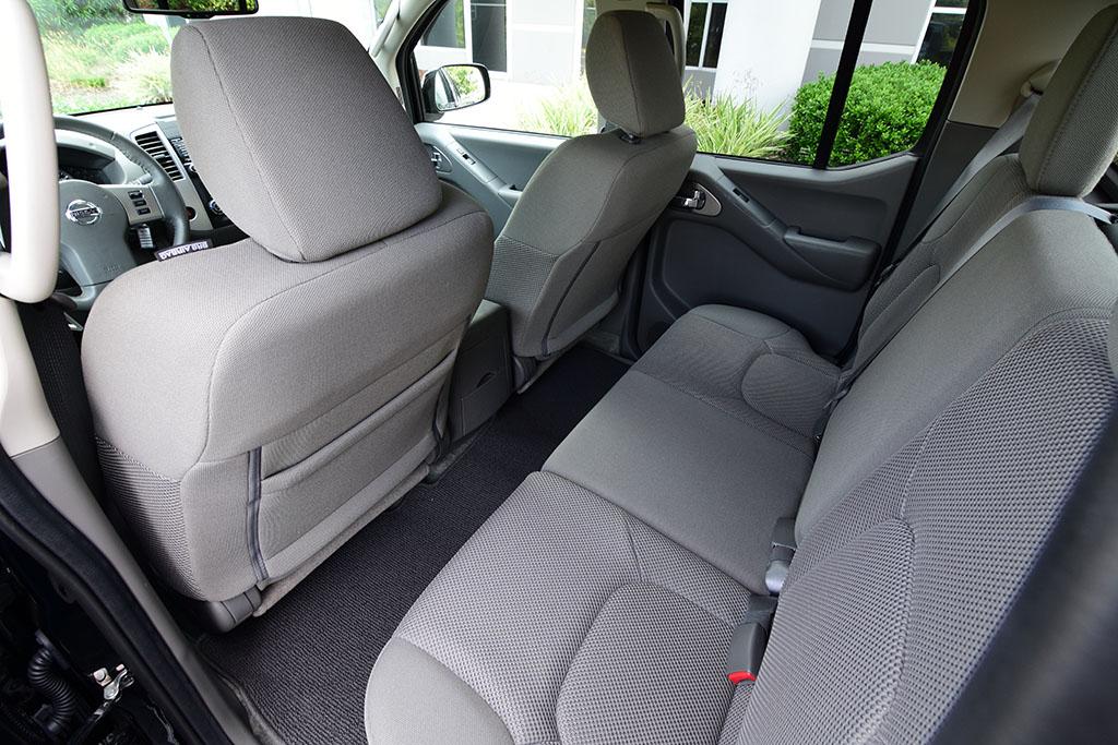 2018 Nissan Frontier SV V6 Crew Cab Midnight Edition 4×4