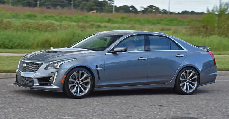 2019-cadillac-cts-v-feature