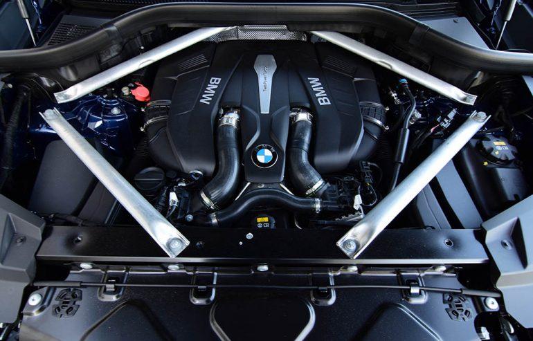 2019 BMW X5 xDrive50i v8 engine
