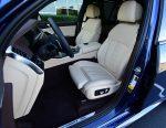 2019 BMW X5 xDrive50i front seats