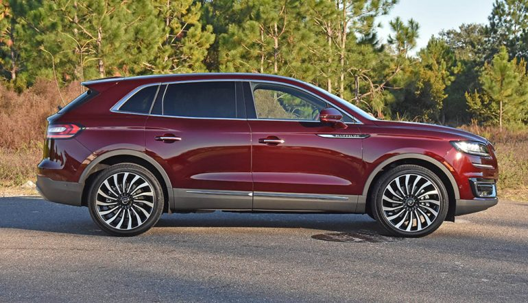 2019 lincoln nautilus black label side