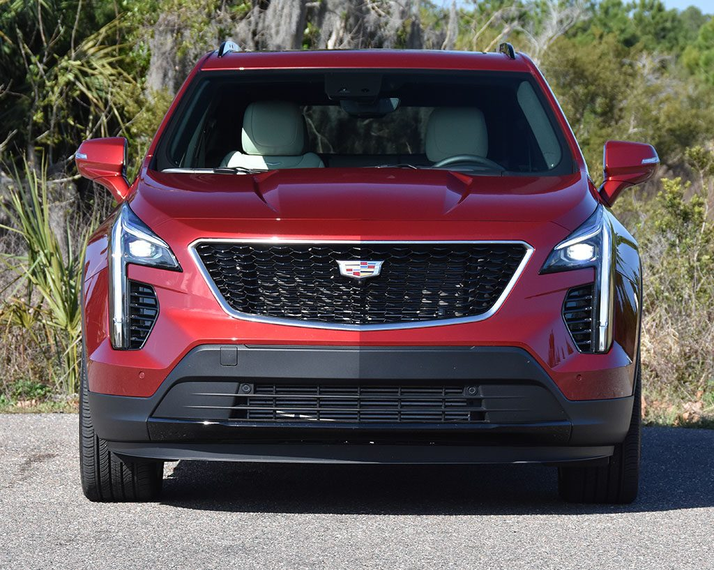2019 cadillac xt4 awd sport front