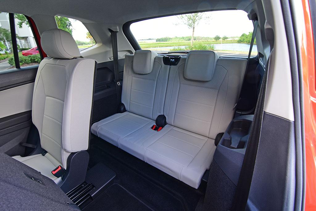 2019 Volkswagen Tiguan SE Review & Test Drive : Automotive ...