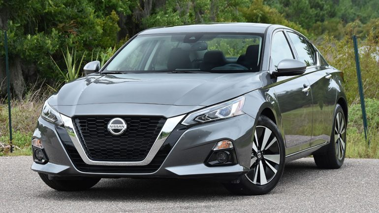 2019 Nissan Altima SV Review & Test Drive