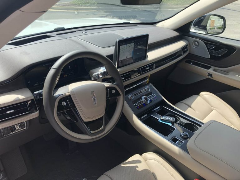 2020 lincoln aviator reserve dashboard