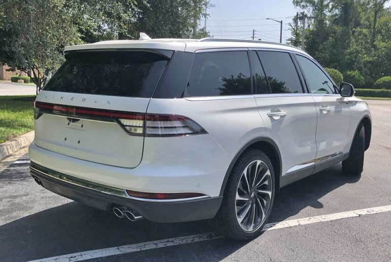 2020 lincoln aviator reserve rear