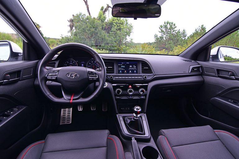 2019 hyundai elantra sport manual transmission dashboard