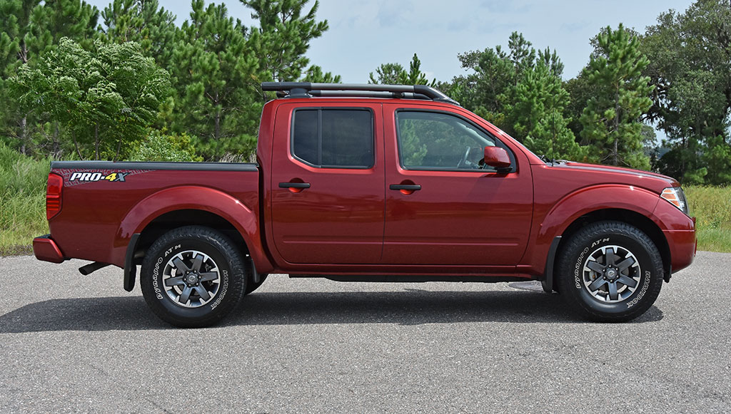 2019 Nissan Frontier Pro 4x Crew Cab 4 4 V6 Quick Spin Test Drive Automotive Addicts