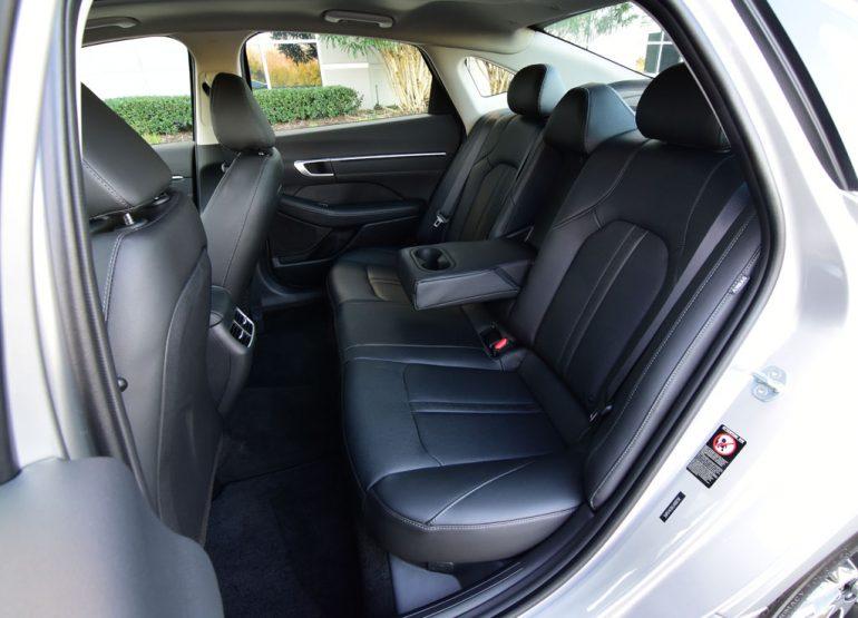 2020 hyundai sonata limited back seats