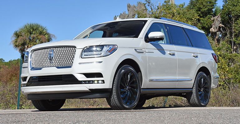 2020-lincoln-navigator-reserve-feature