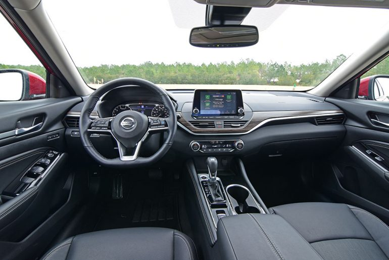 2020 nissan altima platinum vc-turbo dashboard