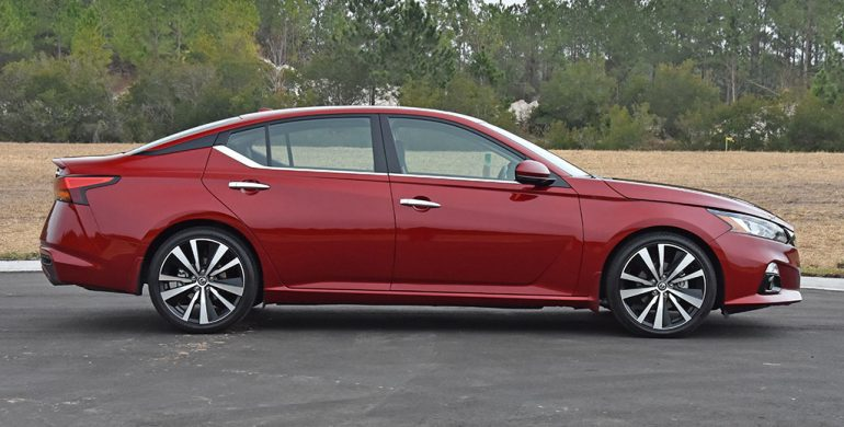 2020 nissan altima platinum vc-turbo side