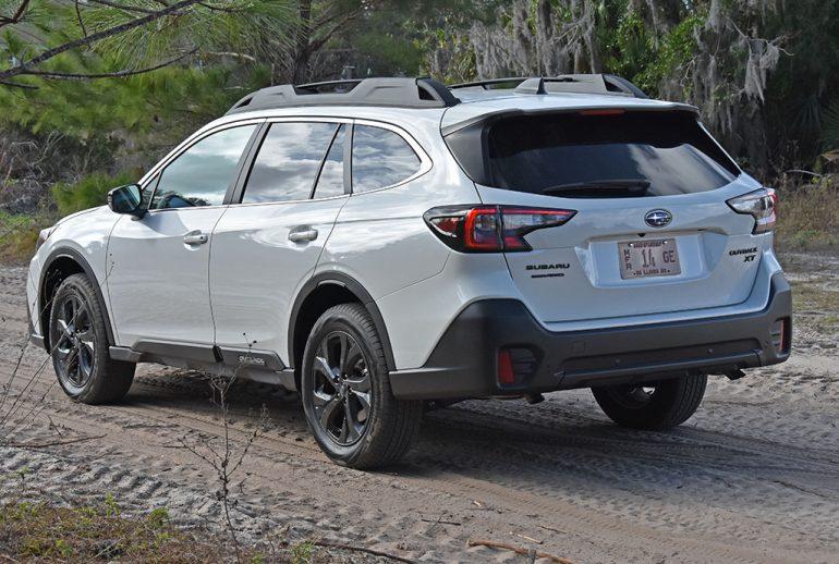 2020 subaru outback side off-road