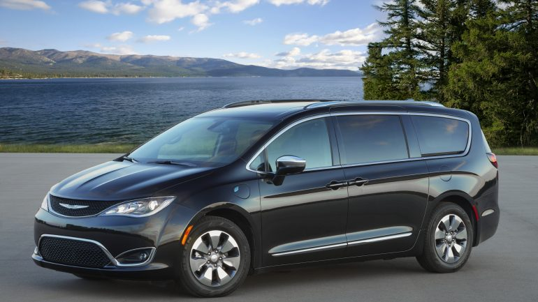2020 Chrysler Pacifica Hybrid Continues to Impress