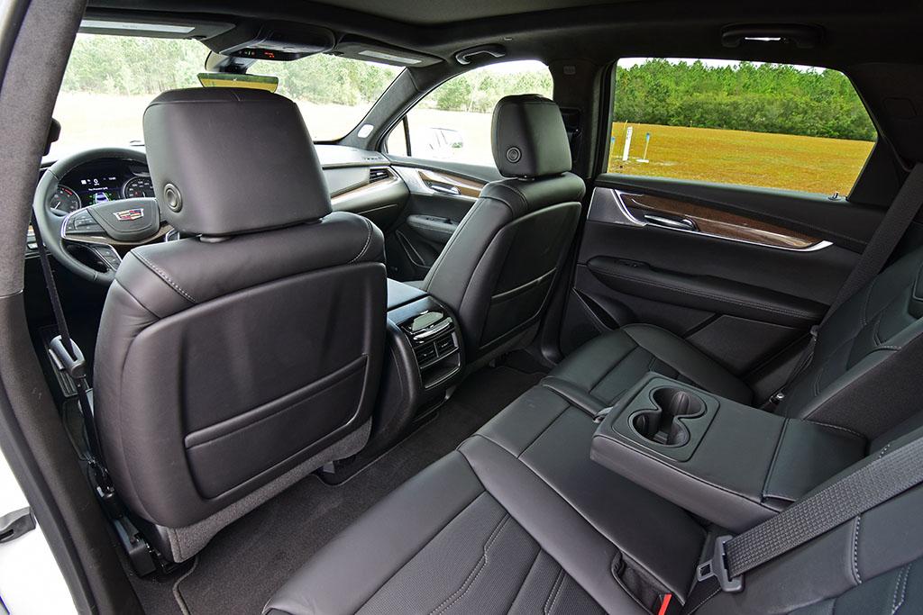 2020 Cadillac Xt5 Turbo 4 Interior Rear Automotive Addicts