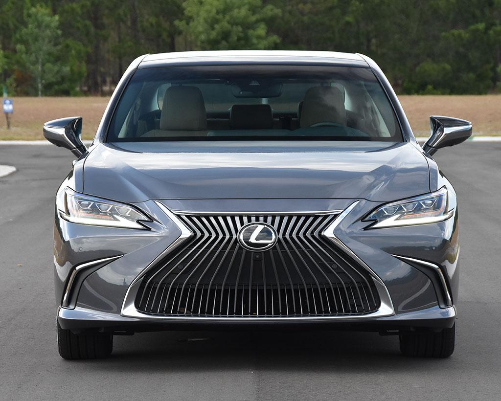 2020 Lexus ES 350 Ultra Luxury Review & Test Drive ...