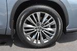2020 toyota highlander platinum 20 inch wheels