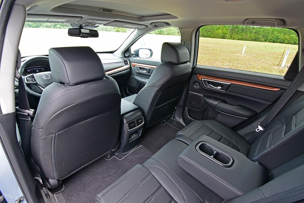 2020-honda-cr-v-awd-touring-interior-rear : Automotive Addicts