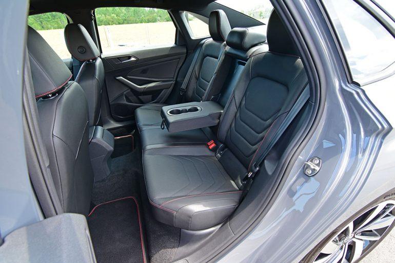 2020 volkswagen jetta gli autobahn back seats