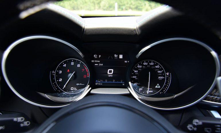 2020 alfa romeo stelvio quadrifoglio gauges